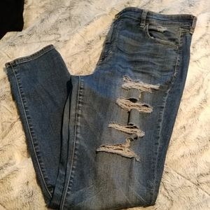 American Eagle womens distressed jeans